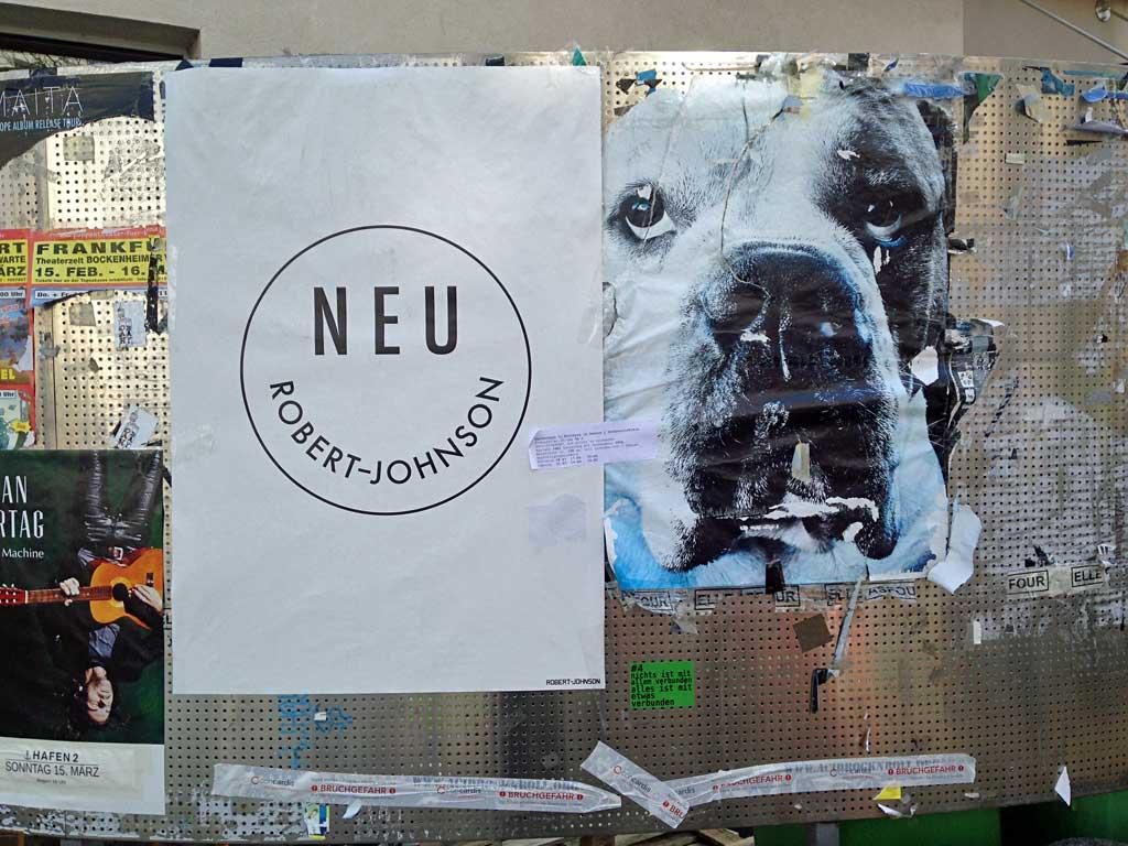 Poster mit Hund in Frankfurt
