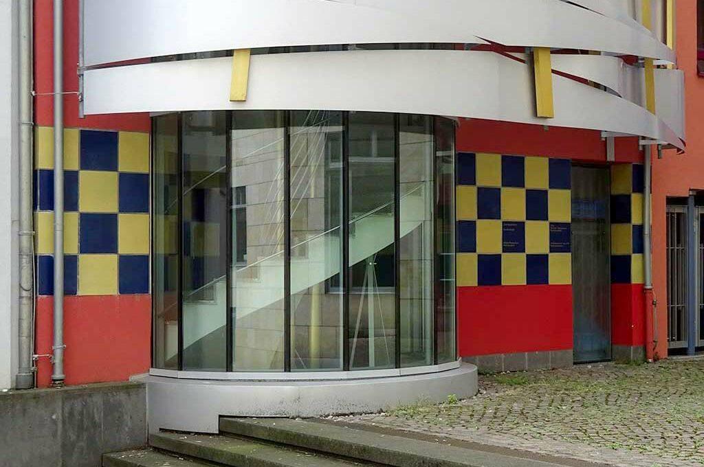 Postmoderne Architektur in der Saalgasse in der Frankfurter Altstadt