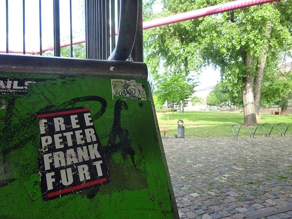 RUN DMC Logo-Variante FREE PETER FRANKFURT
