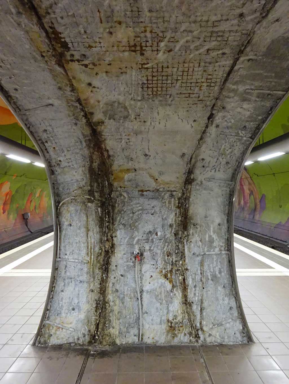 Tunnelgewölbe in der S-Bahn-Station Ostendstraße