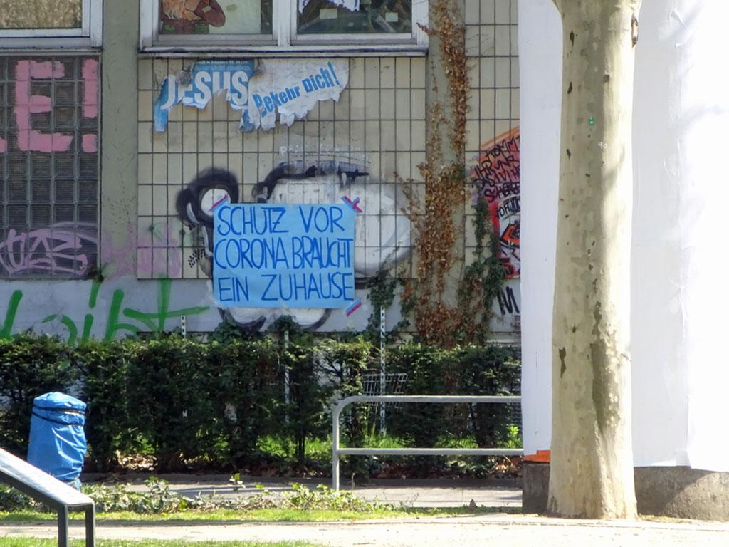 Politischer Protest zu Corona-Zeiten in Frankfurt: Schutz vor Corona braucht ein Zuhause