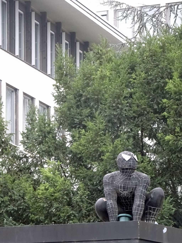 Schwarzer Spiderman in Frankfurt
