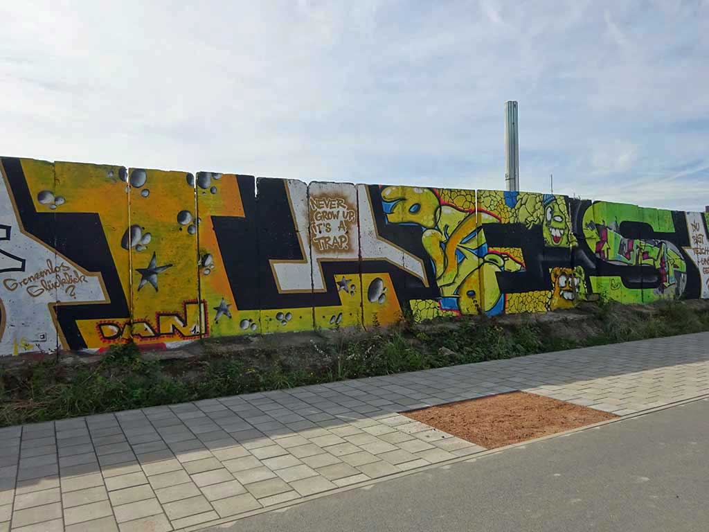 Sous les paves la plage - Graffiti im Hafen Offenbach