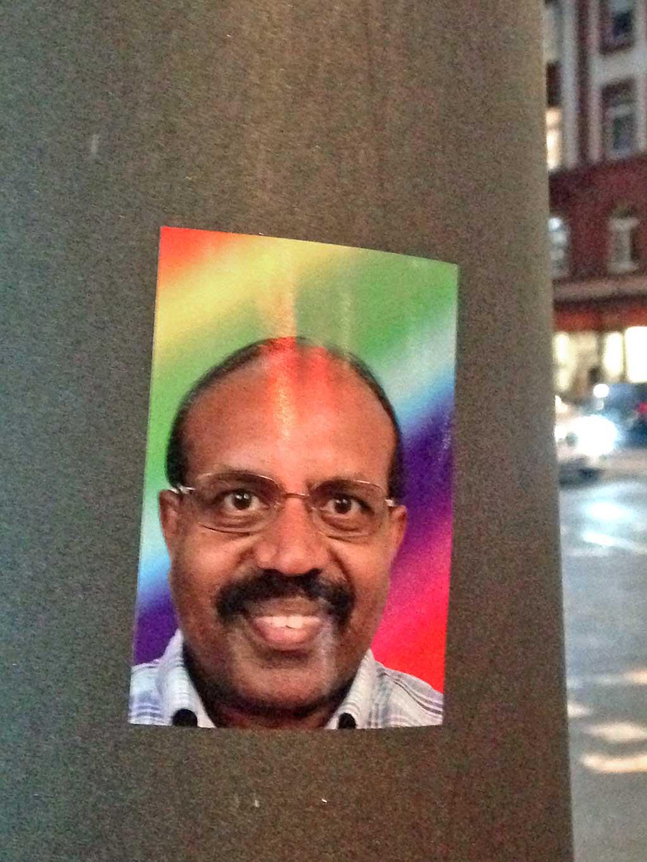 Sticker Art - Portrait eines schwarzen Mannes mit Brille