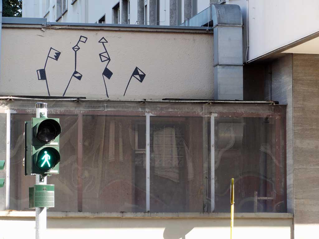 Streetart in Frankfurt - Abstrakte Blumenzeile