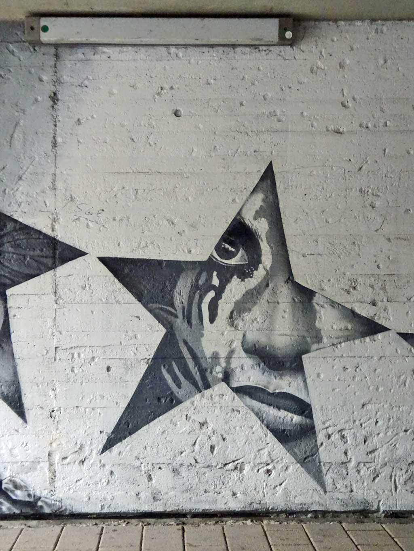 Graffiti in Frankfurt-Ginnheim von Cor / Naxos Atelier