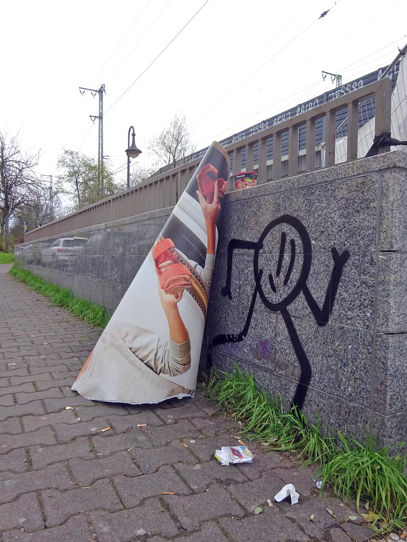Strichmännchen-Streetart von SCHWIRBEL in Frankfurt am Main