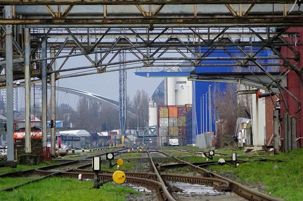 Südbecken im Osthafen Frankfurt