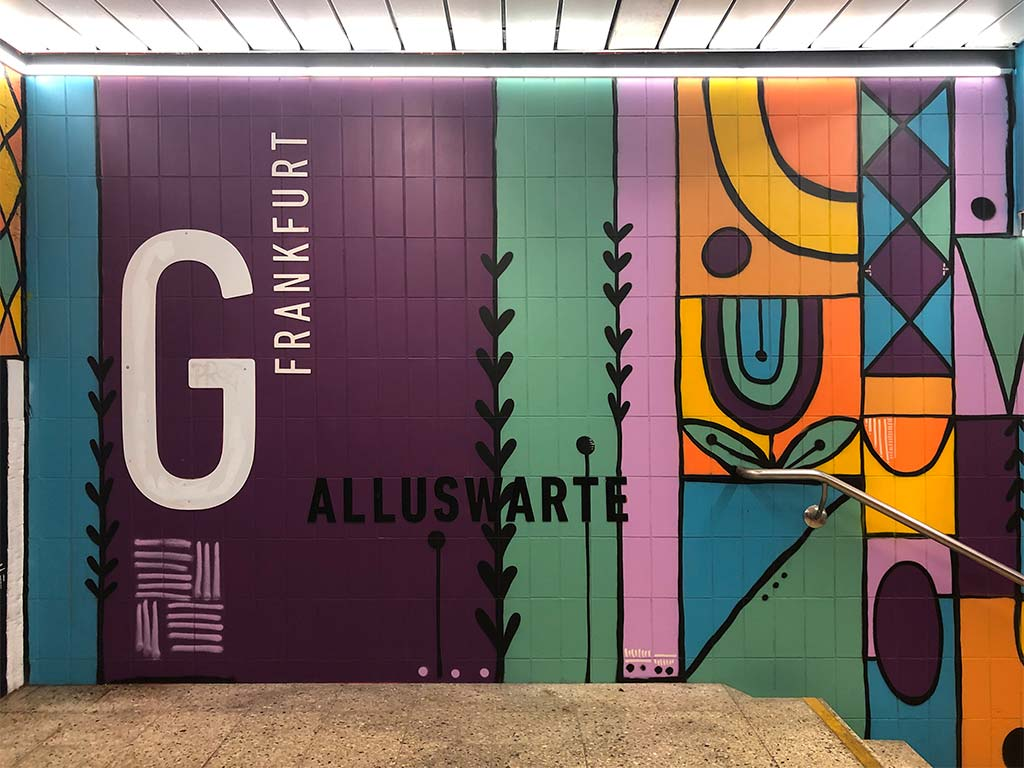 Thekra Jaziri - Mural Art in der S-Bahn-Station Galluswarte in Frankfurt am Main