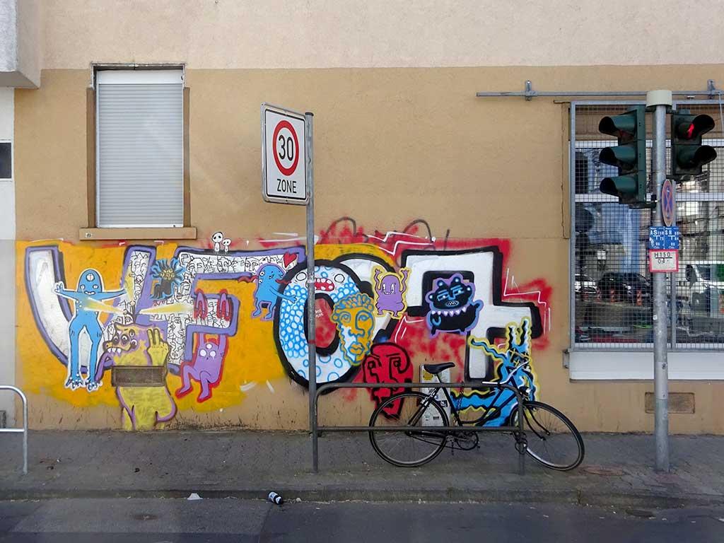 Ungewöhnlicher Umgang mit ungeliebten Graffiti