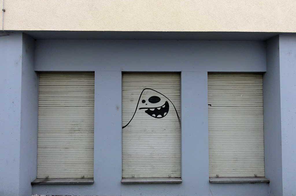 Cityghost von Spot an einem Fensterrollladen