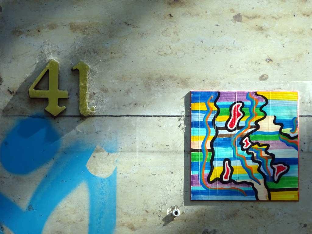 Streetart in Frankfurt - Bunte Fliese
