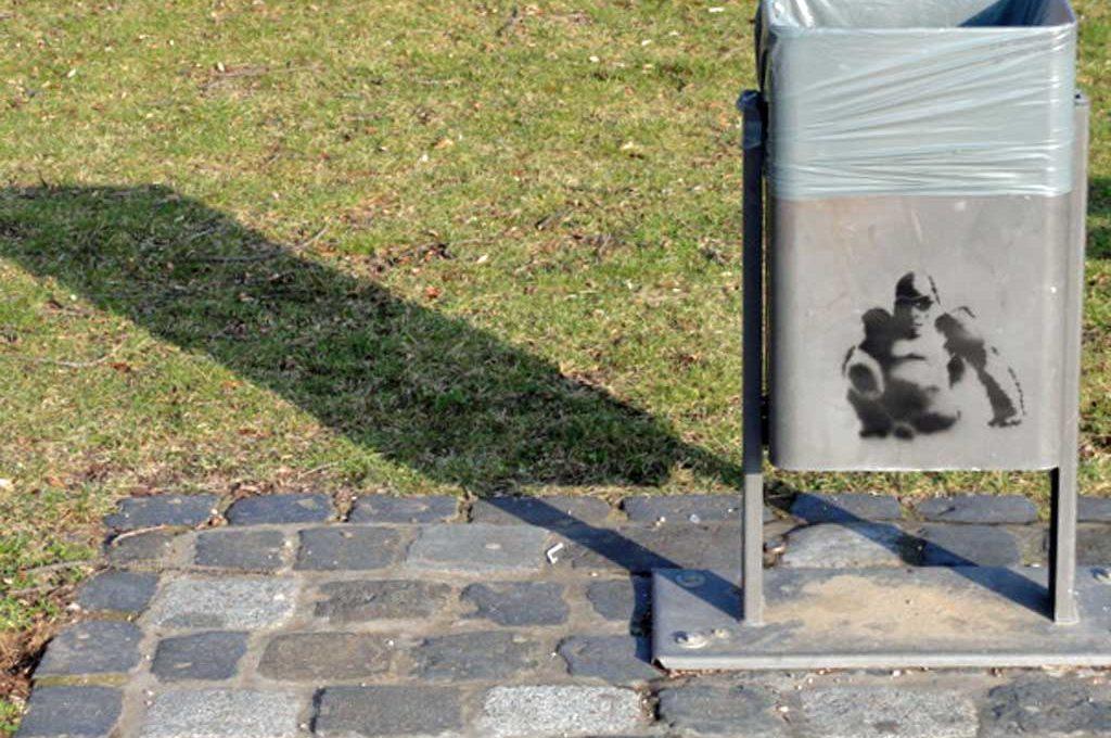 Schablonen-Graffiti (Stencil) eines Gorillas