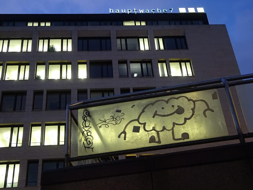 Wolke mit Gesicht an der Hauptwache