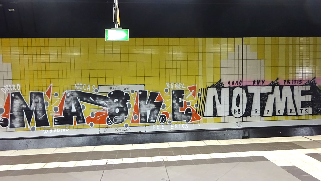 """Anti-Style""-Graffiti in der S-Bahn-Station"