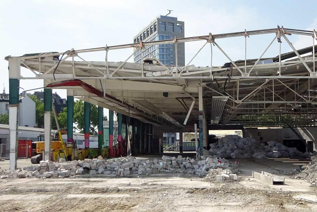 Abbrucharbeiten am Ost-Stern in Frankfurt