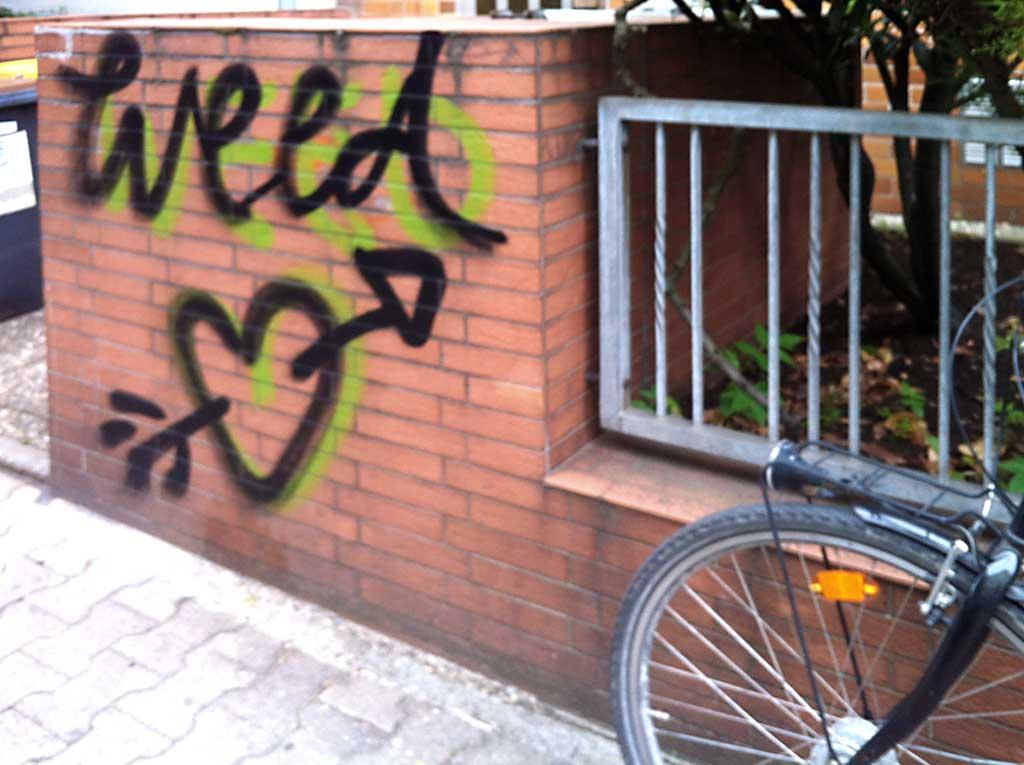 Herz mit Pfeil für Weed
