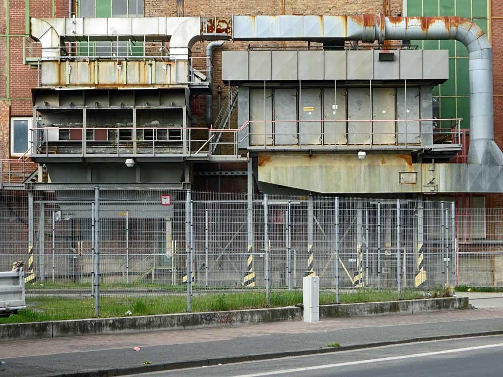 Zwischen Heizkraftwerk und VGF Betriebshof